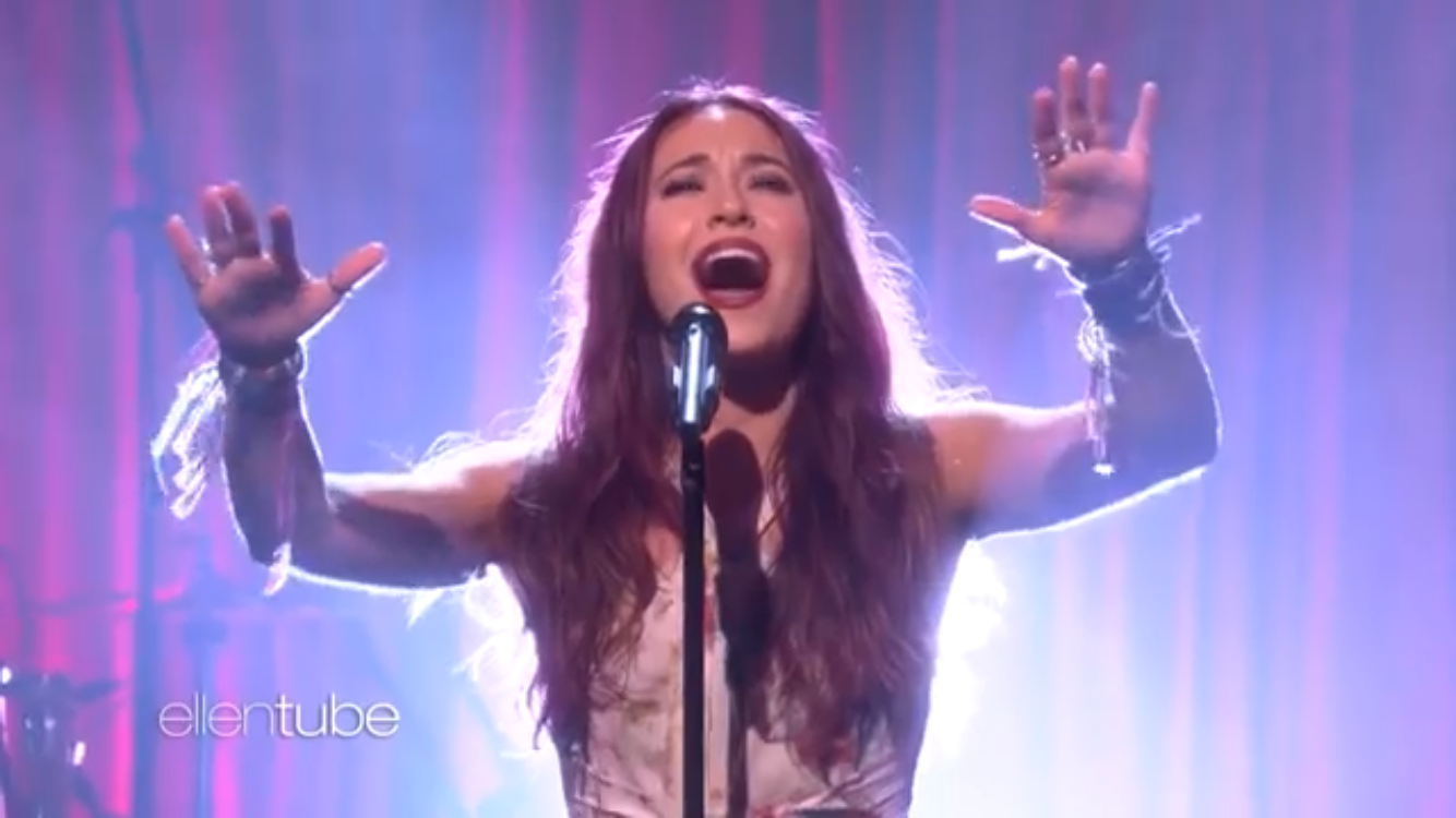 Lauren Daigle New Album Debuts to #1 & She Appears on ELLEN's Daytime Show